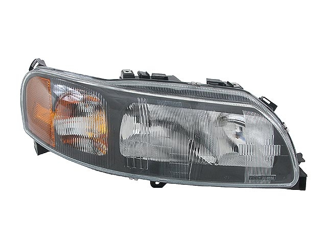 Volvo Headlight Assembly > Volvo V70 Headlight Assembly
