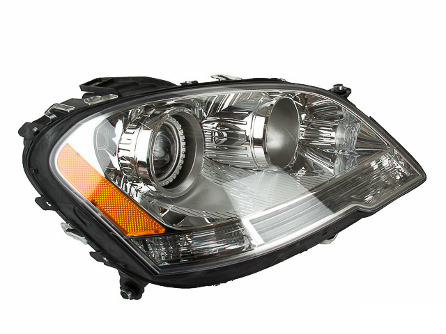 Mercedes ML350 Headlight Assembly > Mercedes ML350 Headlight Assembly